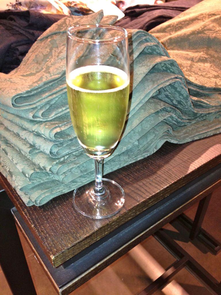 champagne at zaras