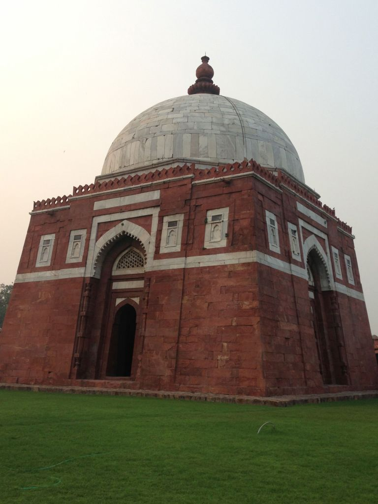tuglaqabad tombs