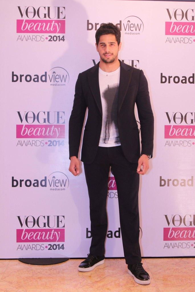 Sidharth Malhotra, winner of 'Most Beautiful Man' at the Vogue Beauty Awards 2014,Taj Lands End,Mumbai-1